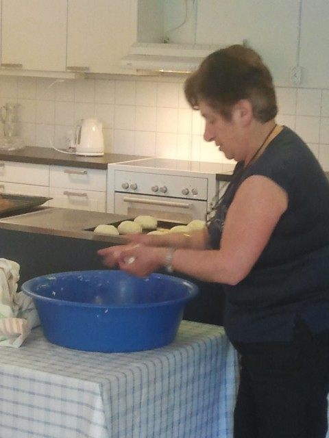 Leila Sözen at Verdandi Women's Center making bread rolls