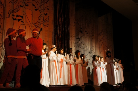 Santas, Lucias, and gnomes on stage